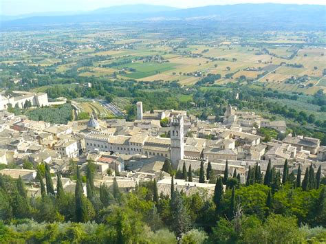 tourism experiences of assisi italy traveladept