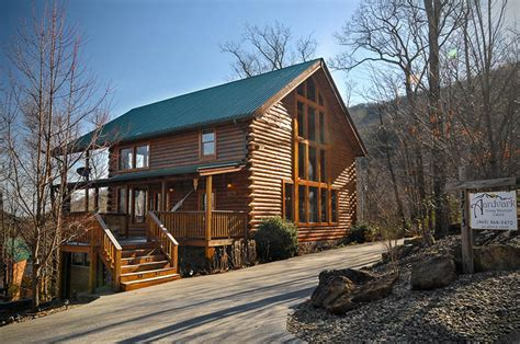 majestic memories overlooking the smoky mountains 4 bedroom log cabin pigeon forge 31634