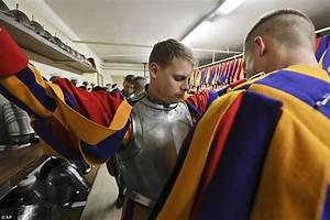 Vatican Swiss Guard swore in 40 recruits in ceremony ...