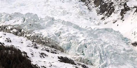 le tr 233 sor du mont blanc un colis d 233 meraudes issu du crash d un avion en 1966 sud ouest fr