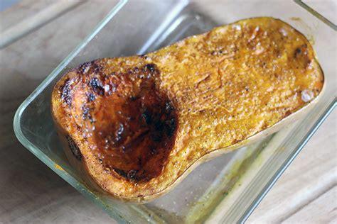 comment cuisiner le butternut courge butternut r 244 tie au four piment thym et cumin cuisine
