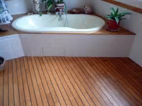 d 233 co salle de bain parquet pont de bateau