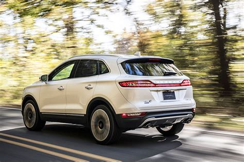 New 2019 Lincoln Mkc Compact Crossover Gets Facelift