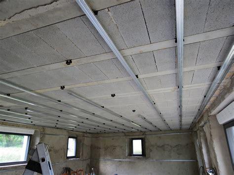 pose des fourrures pour le plafond r 233 novation d une
