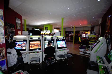 que deviennent les salles d arcade les cybercafs et autres salles de jeux multimdia parlons
