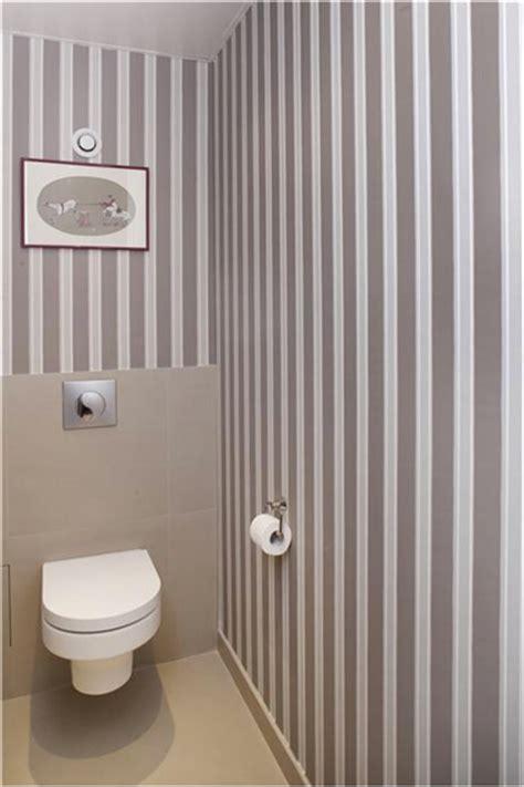 papier peint tendance pour changer de d 233 co facilement deco wc taupe et papier peint