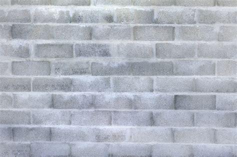 monter un mur en parpaing guidebeton