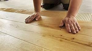 Entkopplungsmatte Auf Holz Verlegen : parkett richtig verlegen mit diesen tipps vermeiden sie risse ~ Markanthonyermac.com Haus und Dekorationen
