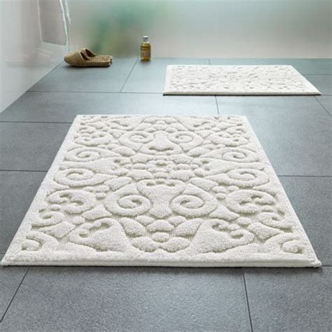 25 best ideas about large bathroom rugs on