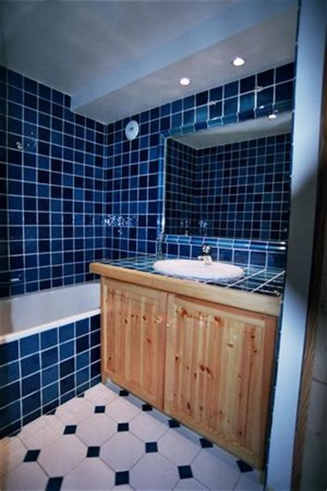 carrelage bleu m 233 diterran 233 e cuisine salle de bains fa 239 ence de provence 224 salernes
