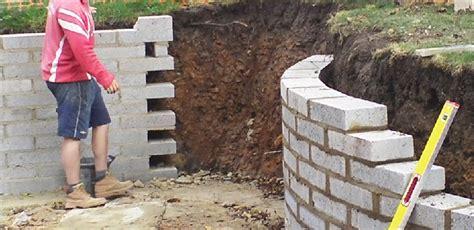 monter un mur de parpaing wehomez