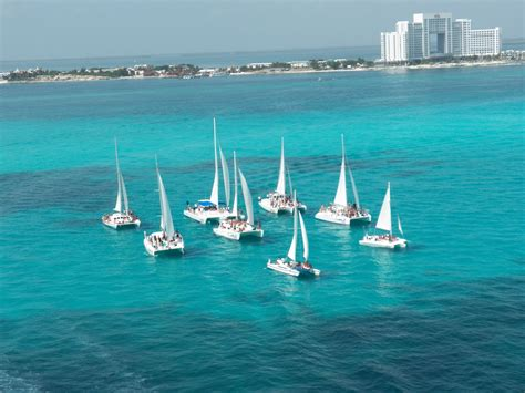 Isla Mujeres By Catamaran by Cancun Tours