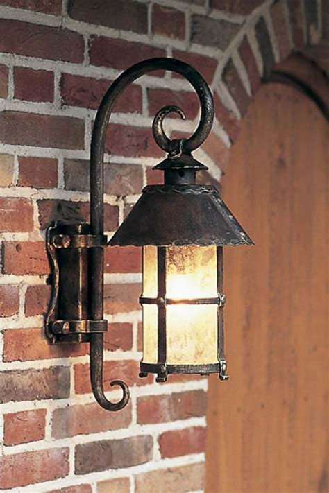 lanterne ext 233 rieur en applique 224 chapeau conique fabriqu 233 par les forges robers en allemagne
