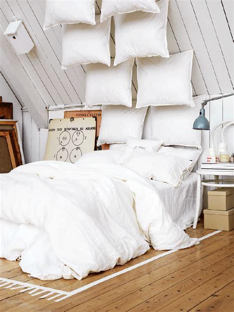 25+ Fabulous Bedroom Ideas For Floor To Ceiling Headboards
