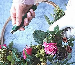 Adventskranz Ohne Rohling Binden : die besten 25 kranz binden ideen auf pinterest binden adventkranz binden und kr nze ~ Markanthonyermac.com Haus und Dekorationen