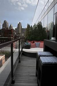 Ideen Zur Balkongestaltung : ideen balkon lounge bett gestaltung pflanzen glas gel nder architecture house ideas ~ Markanthonyermac.com Haus und Dekorationen