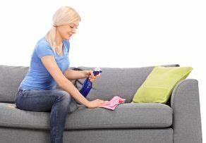 Couch Flecken Entfernen : wasserflecken von sofa entfernen so geht 39 s ~ Markanthonyermac.com Haus und Dekorationen