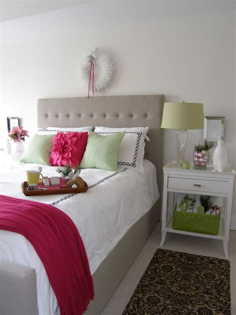 Cozy Christmas Bedroom Decorating Ideas  Festival Around