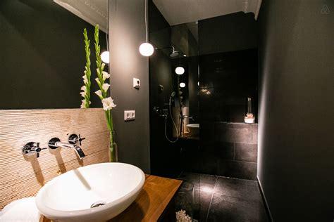 salle de bain contemporaine avec 224 l italienne
