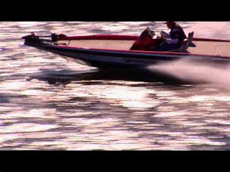 Phoenix Bass Boats Youtube by Phoenix Bass Boats Running Shot Youtube