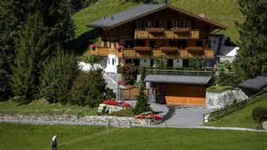 le chalet suisse de johnny hallyday est 224 vendre