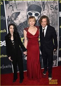 Courtney Love Brings Daughter Frances Bean Cobain To 'Kurt ...