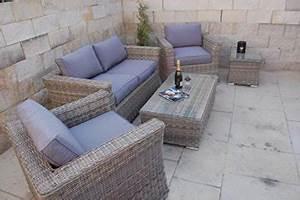 Garten Lounge Kissen : lounge tisch garten ~ Markanthonyermac.com Haus und Dekorationen