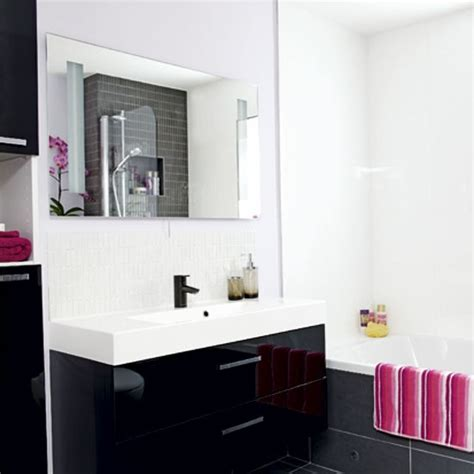 black and white bathroom designs for small bathrooms