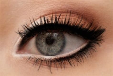 les 5 astuces maquillage pour agrandir regard les 201 claireuses