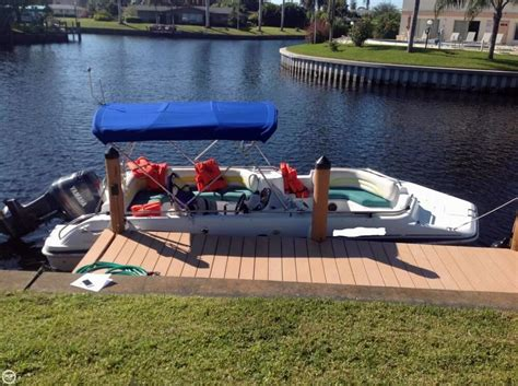 Fun Deck Boat Used by 2001 Used Hurricane Fun Deck Gs 201 Deck Boat For Sale