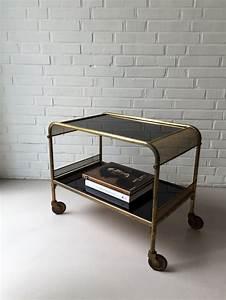 Tisch Mit Rädern : die besten 17 ideen zu barwagen auf pinterest barwagen styling trolley und barw gen ~ Markanthonyermac.com Haus und Dekorationen