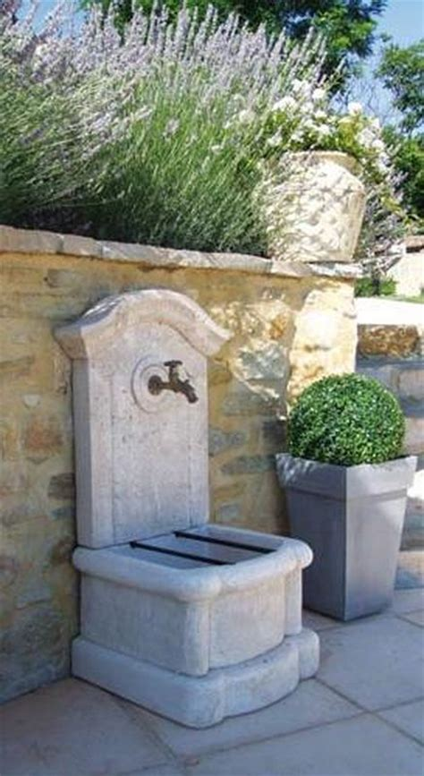 fontaine murale marseille aix en provence