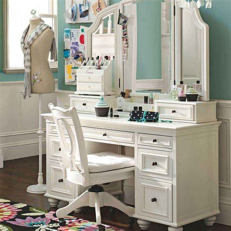 antique vanity table furniture units using white paint plus completed with mirror and make up