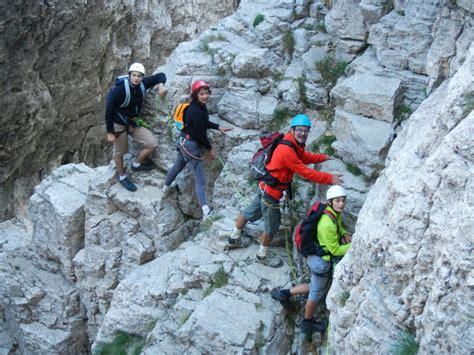 mont aiguille avec un guide un premier pas vers l alpinisme