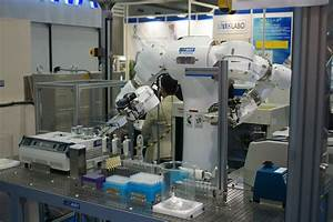 Mahoro robot carries out dangerous lab work faster than ...