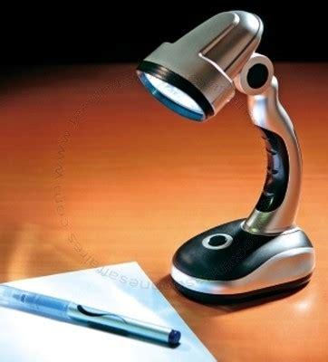le de bureau avec led sans fil orientable prix 3 50
