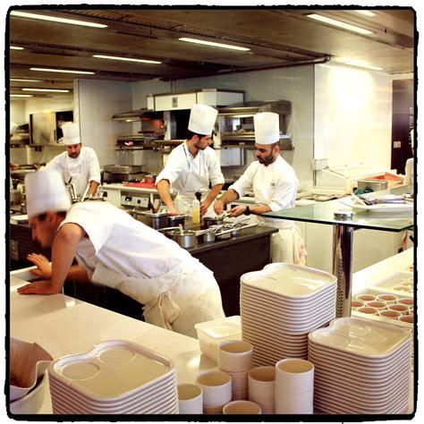 l exp 233 rience d un stagiaire en cuisine dans un restaurant 233 toil 233 critique gastronomique