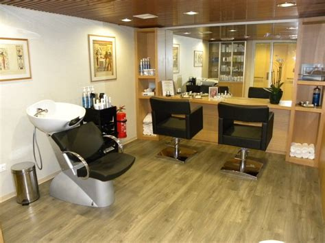 small salon want want want just for me