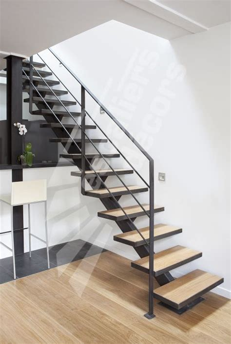 les 25 meilleures id 233 es de la cat 233 gorie res d escalier en bois sur re d
