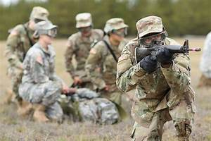 Soldiers from the Minnesota Army National Guard's Recruit ...