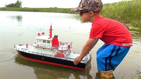 Rc Fire Boat Youtube by Rc Adventures New Capt Moe The Aquacraft Rescue 17