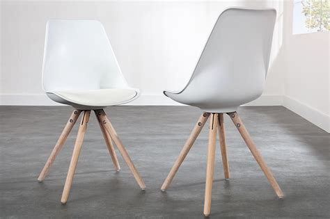 chaises bois blanches homeandgarden