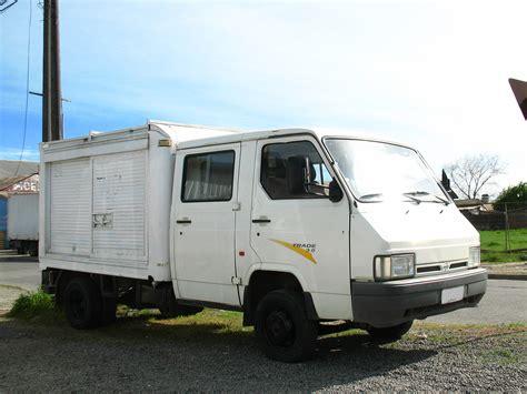 Nissan Trade 3.0 Crew Cab 1996 (11280370363).jpg