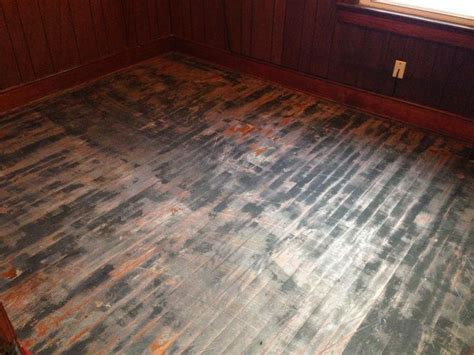 wow this floor looks terrible check out the after photo www mrsandless 877 wood 360