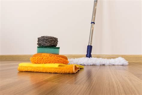 keeping hardwood floors clean certainly does not need to