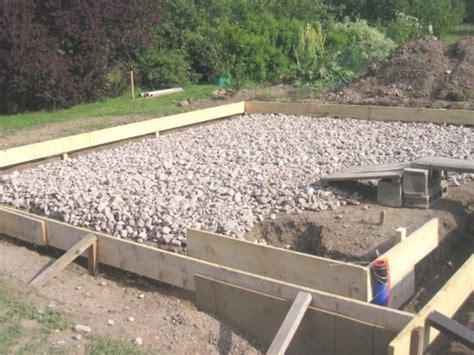 r 233 aliser une dalle b 233 ton pour abri de jardin ou chalet bois