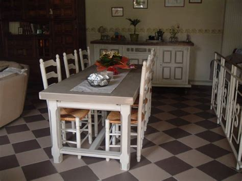 relooking enfilade table chaises salle 224 manger l atelier de la basse place