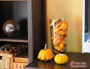 Halloween Deko Tipps : herbst halloween deko raum und m beldesign inspiration ~ Markanthonyermac.com Haus und Dekorationen