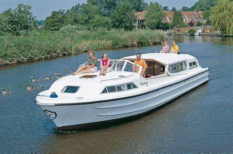 Ligplaats Woonboot Kosten by Woonboot Le Boat Commodore Plus Bourgondi 235 Huren Jacht