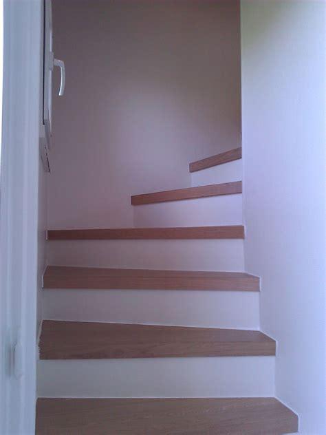 apres travaux escalier r 233 novation marches peinture contres marches murs photo de